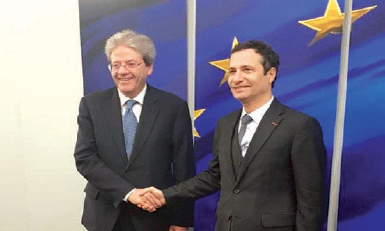 Le ministre de l'Économie, des finances et de la réforme de l'Administration, Mohamed Benchaâboun, lors de sa rencontre, le 10 février à Bruxelles, avec Paolo Gentiloni, commissaire européen aux Affaires économiques et monétaires, à la fiscalité et à l'union douanière.