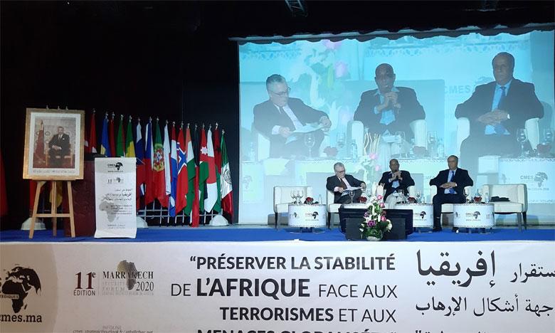 Des experts civils et militaires débattent des nouvelles menaces  sécuritaires en Afrique