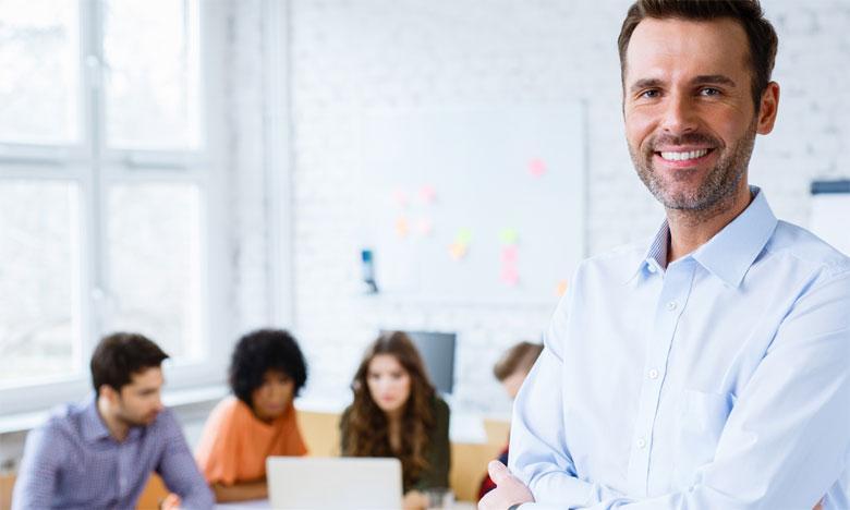 En plus de son coût allégé, la formation interne permet de concevoir des programmes de formation sur mesure, venant répondre aux besoins exacts de l'entreprise. Ph. Shutterstock