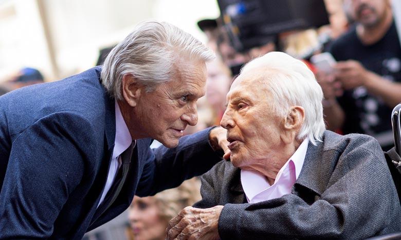 La légende de Hollywood Kirk Douglas s'éteint à 103 ans