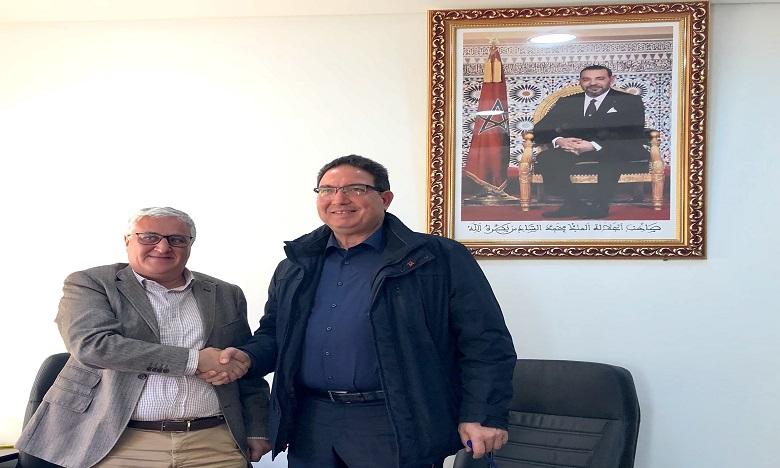 De gauche à droite:  Mohamed Moufti, DG Palmagri et Farid Lakjaa , directeur du Complexe Horticole d'Agadir de l'Institut Agronomique et Vétérinaire Hassan II.