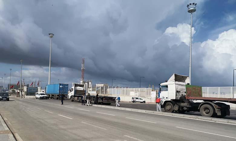 Au coeur du port de Casablanca, la prévention sanitaire laisse à désirer