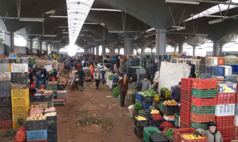 Approvisionnement régulier du marché en différentes denrées alimentaires satisfaisant largement les besoins