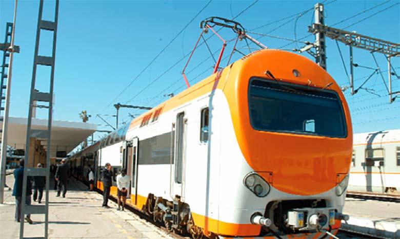 Suspension des trains de ligne à partir d'aujourd'hui à 23 h 59, service minimum assuré par les trains de proximité