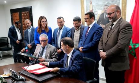 La CNSS et l'Instance nationale des Adouls scellent un partenariat
