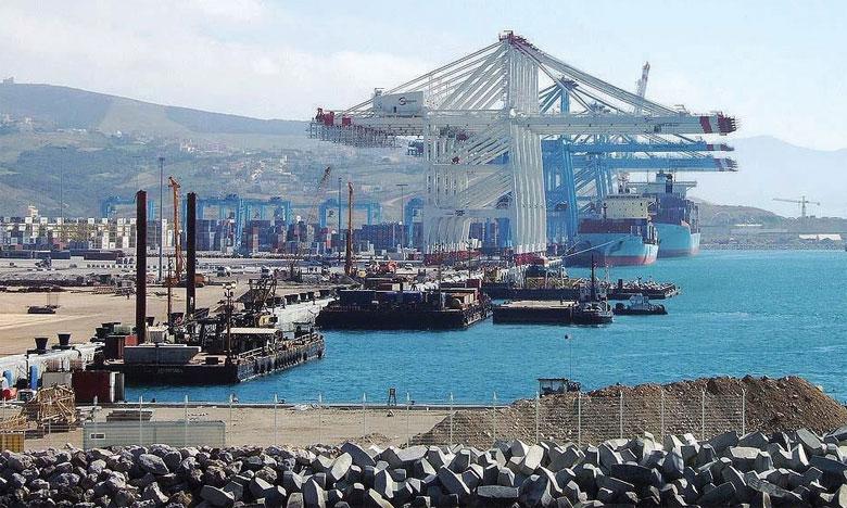L'accord contient des dispositions pour accélérer le mouvement, la mainlevée et le dédouanement des marchandises, y compris celles en transit.