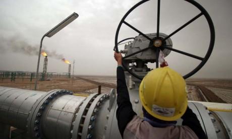Energie : Le pétrole en hausse, porté par le plan d'aide américain