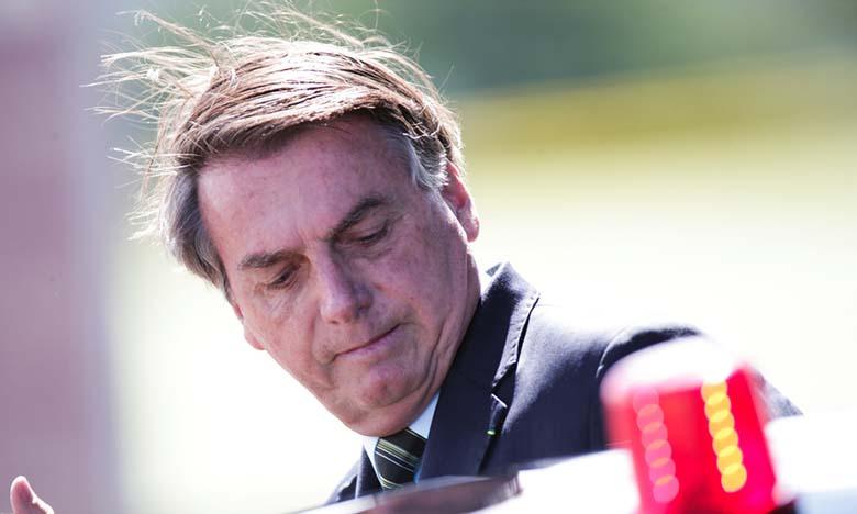 Les vidéos concernées montraient le chef de l'État prenant des bains de foule dimanche à Brasilia.