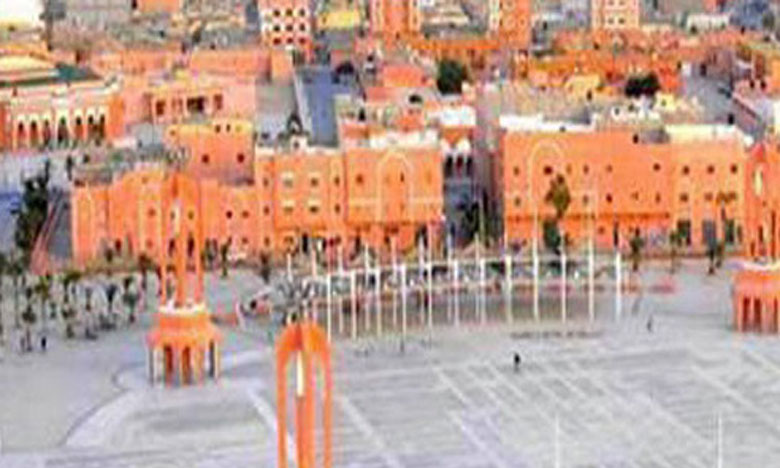 Saâd Eddine El Othmani met en avant à Laâyoune la dynamique de développement des provinces du Sud