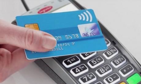 CMI : Le plafond des paiements sans contact relevé à 400 DH