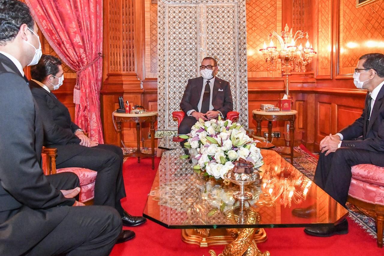 S.M. le Roi reçoit Saaid Amzazi et le charge des fonctions de porte-parole du gouvernement et Othman El Firdaouss qu'Il nomme ministre de la Culture, de la jeunesse et des sports