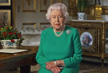 """Nous vaincrons"" le coronavirus, assure Elisabeth II"