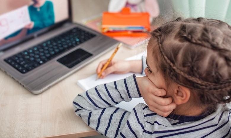 Le MEN lance un numéro vert dédié aux usagers des plateformes d'enseignement à distance