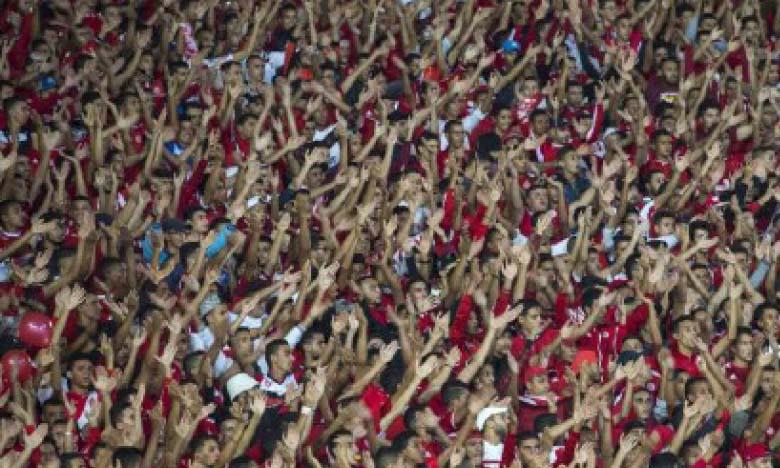 Les réseaux sociaux permettent aux clubs de maintenir le lien avec leurs supporters