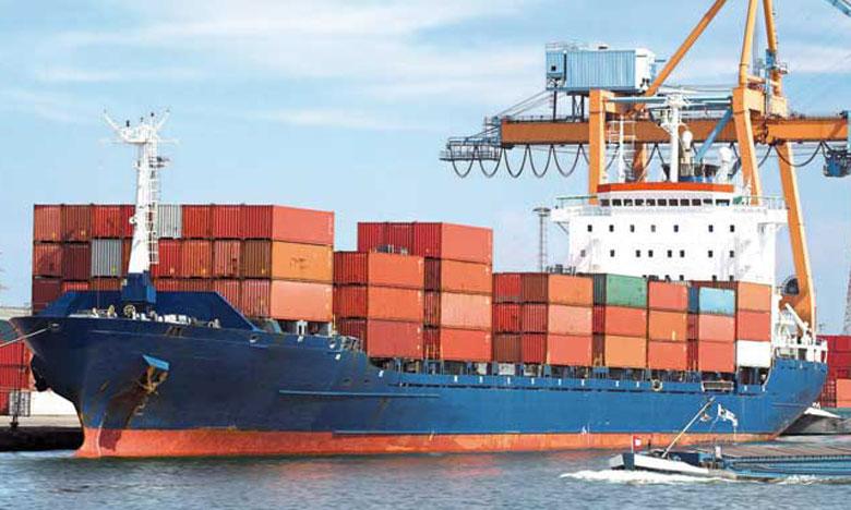 Pour l'OMI, il est vital que les gouvernements facilitent la poursuite des opérations de transport des cargaisons maritimes  par les navires, ainsi que par les ports qui relèvent de leur juridiction.