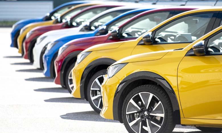 PSA a vu ses immatriculations de voitures particulières neuves dégringoler (-73,4%), tout comme le groupe Renault (-71,6%).