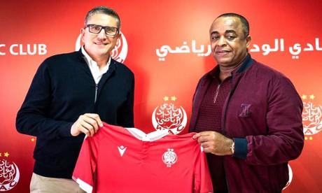 Juan Carlos Garrido : «La passion pour le football et la qualité des stades rendent le Maroc plus attractif»
