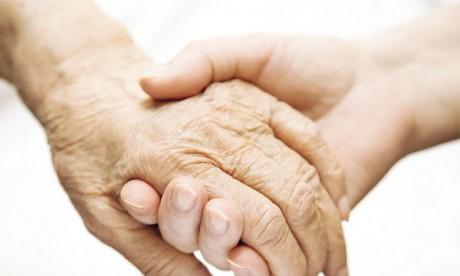 Quelles précautions prendre chez les personnes âgées ?