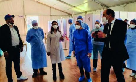 Des professionnels de l'événementiel et de la production artistique œuvrent pour désengorger l'hôpital Moulay Youssef