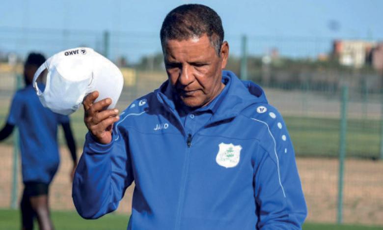 Le DHJ se sépare à l'amiable de l'entraîneur  Abdelkader Amrani et du préparateur physique  de l'équipe