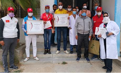 Covid-19 : La société civile de Safi rend hommage aux agents de la propreté et d'hygiène