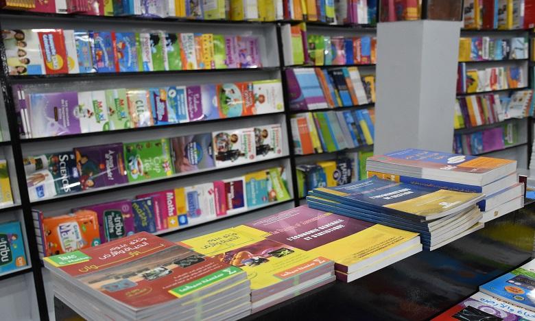 Kiosques à journaux et librairies autorisés à rouvrir dès mardi
