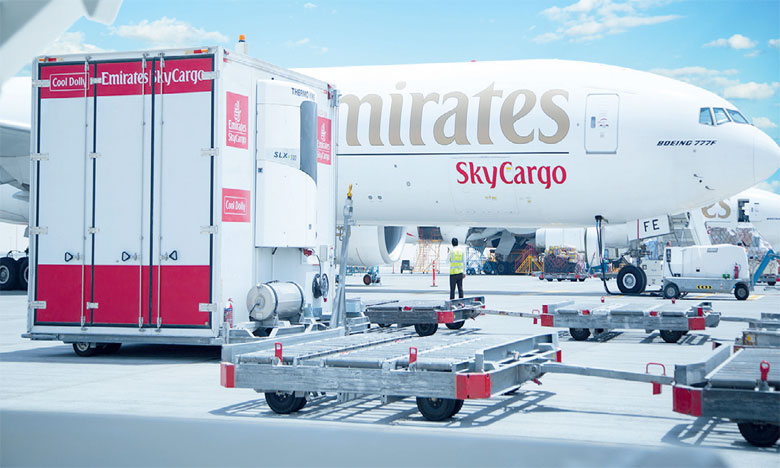 Emirates SkyCargo se base sur son produit Emirates Fresh, qui permet de garder la fraîcheur de la nourriture pendant les longs trajets.