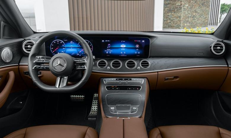 Voitures intelligentes : Un volant tactile pour la Mercedes Class E 2021
