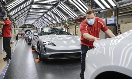 Porsche relance sa production