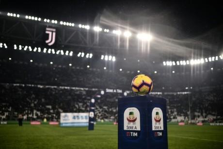 Italie: les clubs veulent reprendre le championnat le 13 juin