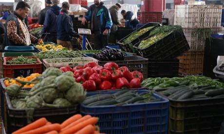 Approvisionnement normal des marchés, prix en baisse des principaux produits de consommation