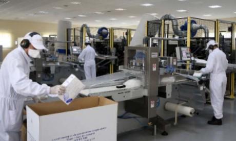 L'usine de la Gendarmerie Royale produit 17 millions de masques depuis février