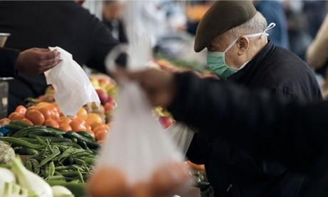 Les marchés bien approvisionnés en produits alimentaires, les prix stables