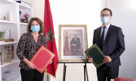 Son Altesse la Princesse Lalla Zineb préside la signature d'une convention de partenariat relative à la construction, le réaménagement et l'équipement des centres d'accueil des enfants en situation difficile