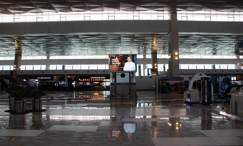 Les négociations menées avec les hautes autorités du Département indonésien de l'immigration ont permis de transférer Hatim Khatib vers un hôtel de l'aéroport. Ph. Shutterstock