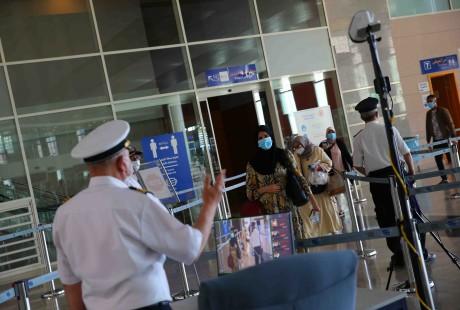 Arrivée à l'aéroport d'Oujda de 318 Marocains rapatriés d'Espagne