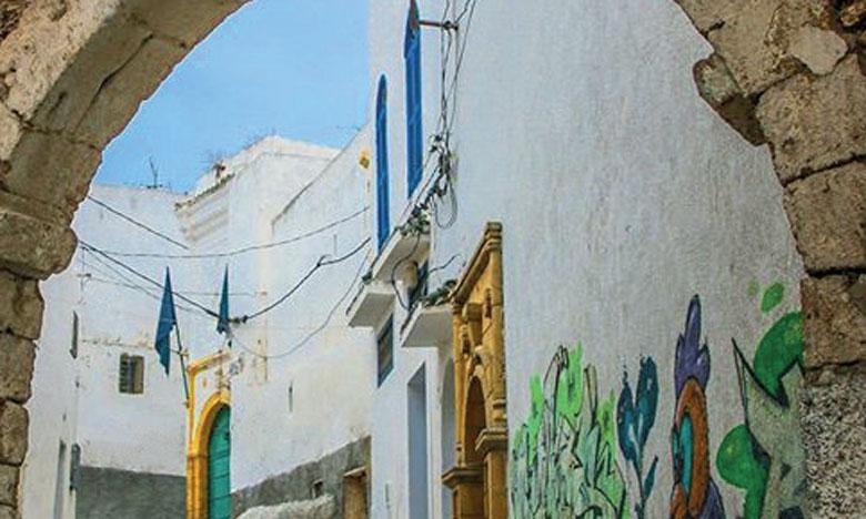 Azemmour est réputée pour son cachet architectural particulier, ses ruelles étroites, ses maisons anciennes et son antique et mythique Casbah.