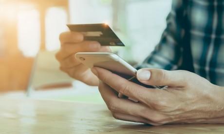 Mobile Money: MT Cash  permet désormais d'alimenter les comptes via les cartes bancaires