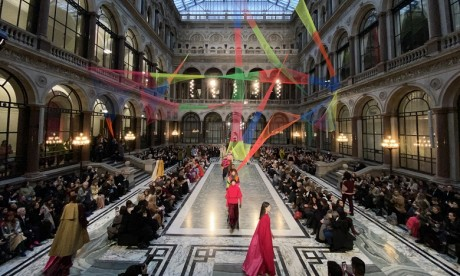 La Fashion Week de Londres ouvre sans défilé et uniquement en ligne