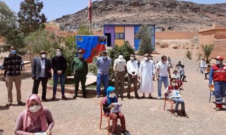 Agadir: Des tablettes numériques distribuées aux élèves du monde rural