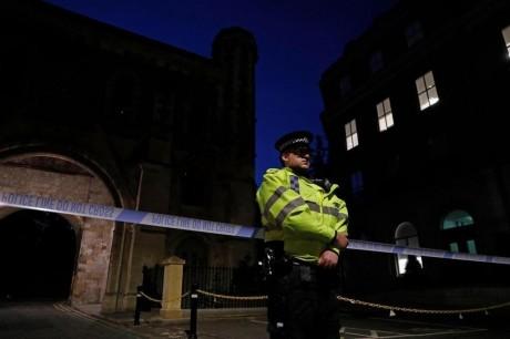 Angleterre: Plusieurs personnes poignardées à Reading, un homme arrêté