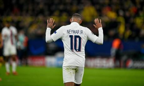 PSG: Neymar de retour en France après trois mois au Brésil