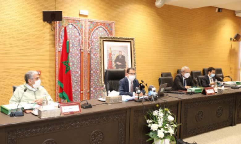 M. El Othmani présidant la 3e  réunion de la commission ministèrielle pour le suivi du programme gouvernemental