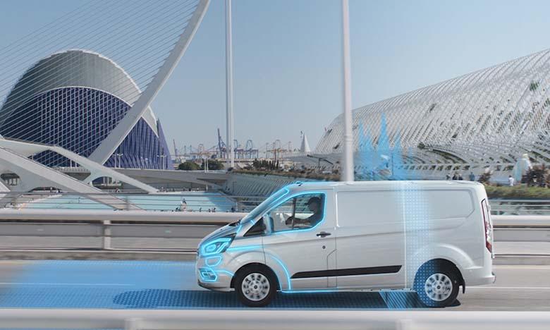 Ford introduit le mode électrique automatique pour des villes plus propres