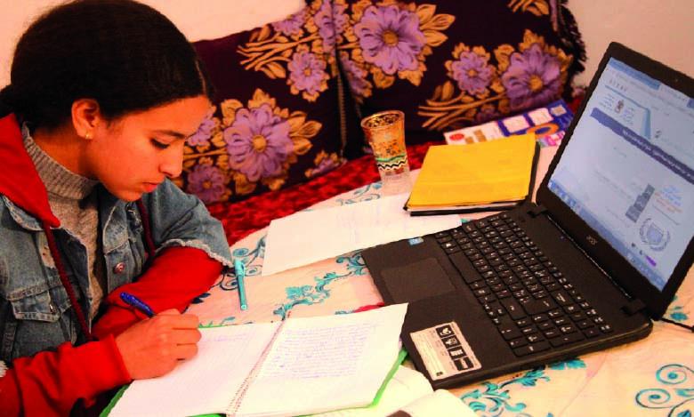Pour 68,3% des scolarisés, les cours à distance ne couvrent  pas le programme