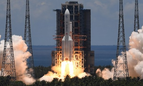 La Chine lance sa première sonde vers Mars