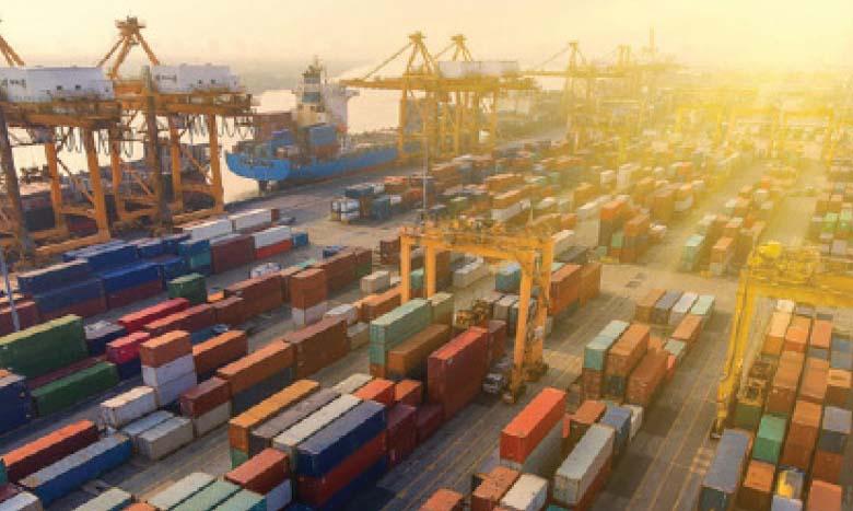 Les échanges extérieurs de biens et services ont dégagé une contribution négative à la croissance, se situant à -0,5 point.
