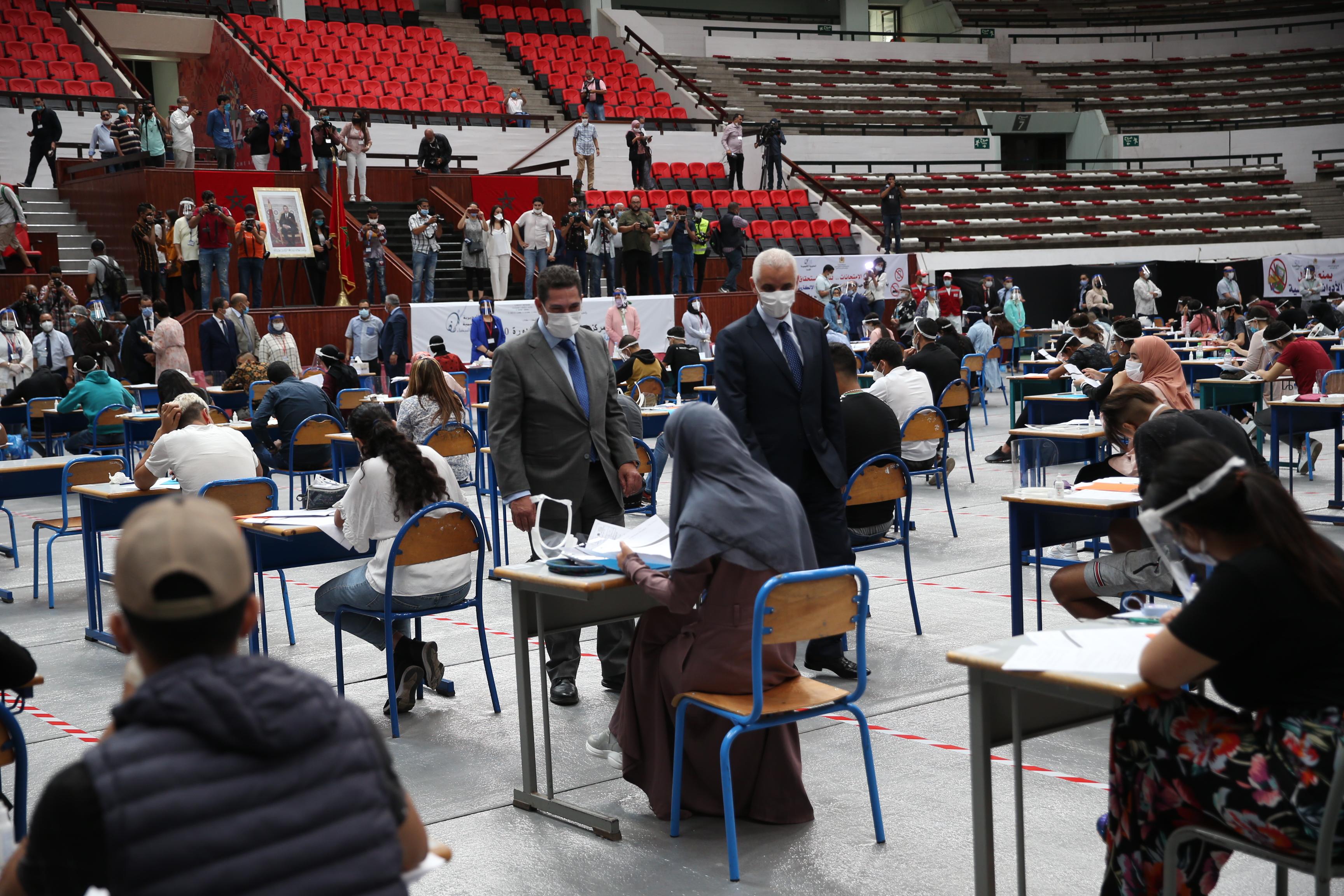 En images, un examen national de baccalauréat 2020 pas comme les autres!