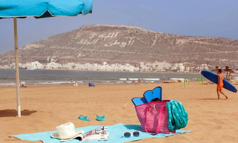 L'opération de nettoyage de la plage d'Agadir à laquelle ont pris part plusieurs volontaires marocains et étrangers sera organisée dans d'autres plages avoisinantes. Ph : DR