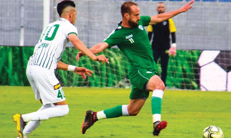 Phase de jeu du match amical ayant opposé samedi dernier au stade El Abdi le Mouloudia d'Oujda et le Raja de Béni Mellal.